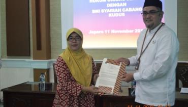 Penandatanganan MoU Fakultas Syariah & Hukum Dengan BNI Syariah Cabang Kudus