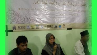 "Mayadina R Musfiroh, M.A; ""Mendalami Al-Quran dan Hadits untuk survive Dunia Akhirat, Fakultas Syariah tempatnya...."""