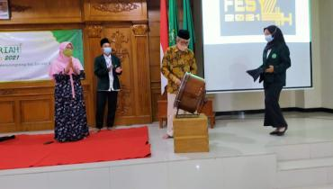 Wujud Aktualisasi Diri, BEM FSH Gelar Festival Syariah 2021